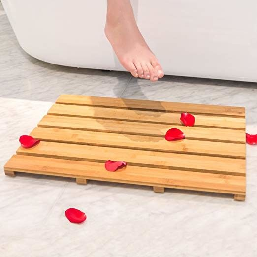 High Temperature Tolerance Bamboo Bath Mat , Wooden Bathroom Mat  22x15 Inches